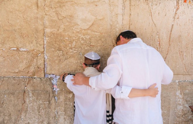 Father and his bar mitzva son at the westren wall