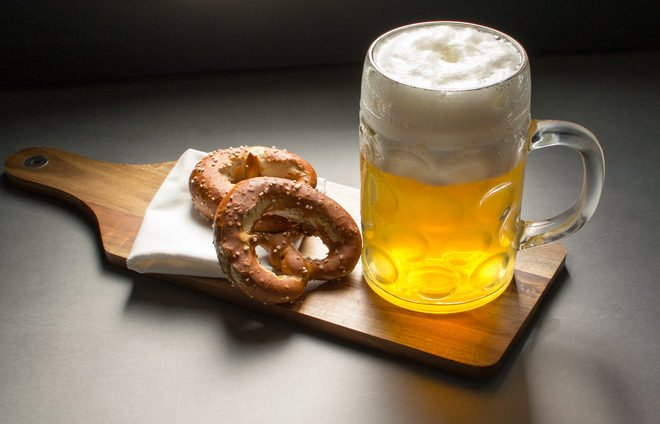 Drink some of Berlin's great beer and indulge in its treats: Breze (pretzels), Kartoffelpuffer (a version of potato latkes), Berliner Pfannkuche (deep-fried doughnut) or any variety of Wurst sausages.