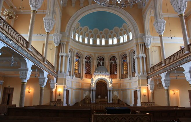 Explore the St. Petersburg Great Choral Synagogue, the second largest in Europe.