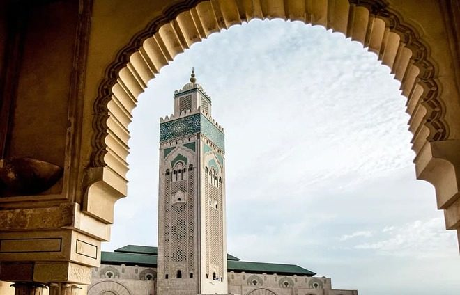 Apreciate Mosque of Hassan II, one of the largest mosques in the world located on the sea.