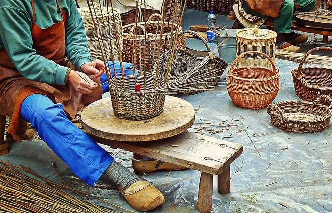 Create colorful South African baskets in a basket weaving workshop.