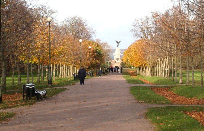 Stroll through Kadriorg Park, the most outstanding palatial and urban park in Estonia.